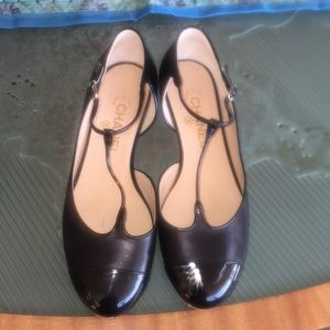 Black Chanel Flats in good condition, no box